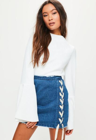 mini-jupe-bleue-en-jean--lacets-contrastants.jpg