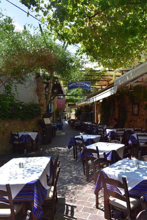 lamodedemelissa-chania-travelblogger-crete.JPG